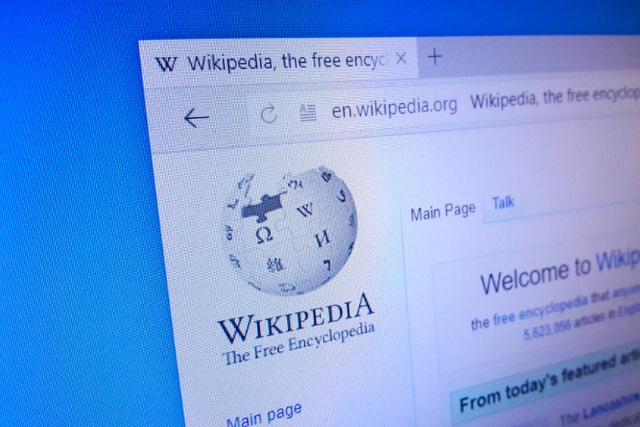 Get links from Wikipedia